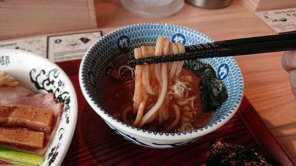 別邸たけ井 特製濃厚鶏豚骨つけ麺 麺
