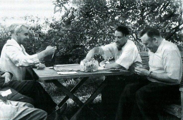 М.В. Келдыш и С.П. Королев в гостях у И.В. Курчатова, 1959 г.
