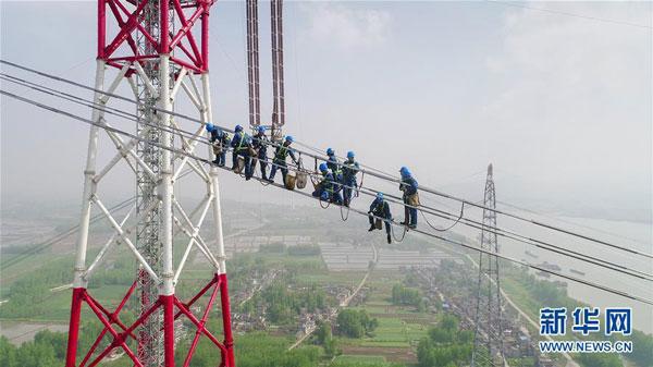 В Китае построили самую длинную в мире сверхвысоковольтную ЛЭП