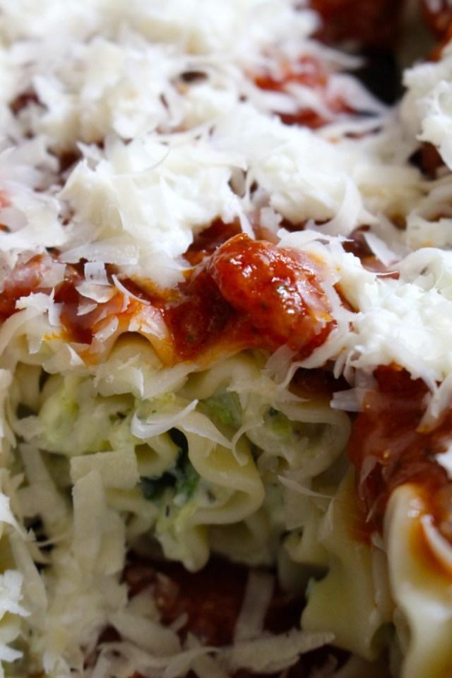 Lasagnoni met tomatensaus en mozzarella