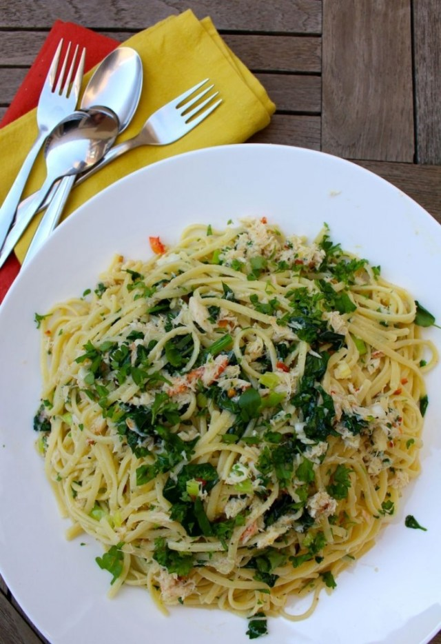 Linguini met krab, waterkers en citroen