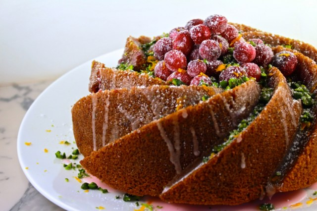 Cranberry tulband met pistaches en sinaasappel