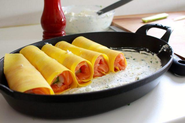Cannelloni naast elkaar in ovenschotel leggen