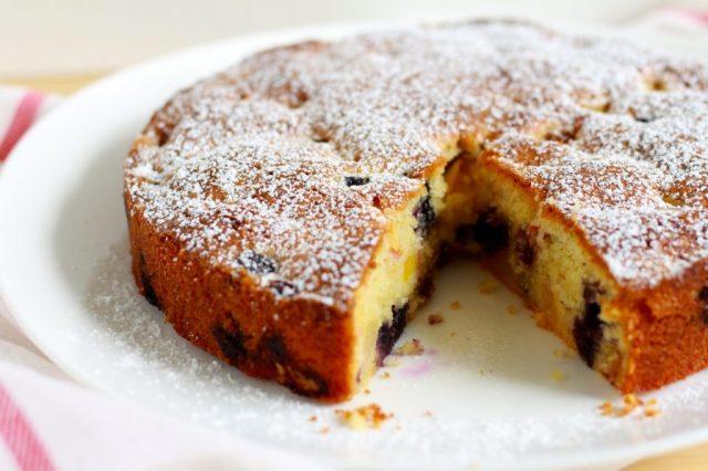 Cake met nectarines en bosbessen / www.eenlepeltjelekkers.be
