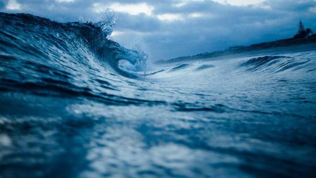 Läänemerel möllab torm, laine kõrgus 14 meetrit