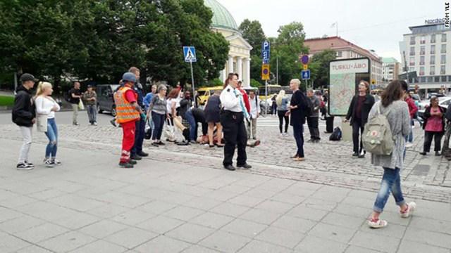 """Terror Soomes: Turu ründajad karjusid """"Allah!"""""""