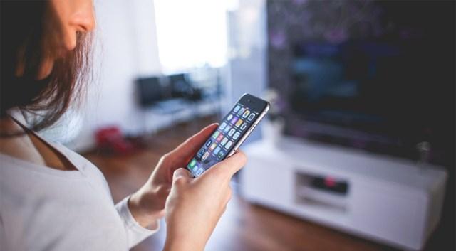 Vanemate iPhone'ide ja iPadide omanikud peavad oma seadmete tarkvara uuendama enne laupäeva, et need edasi töötaksid