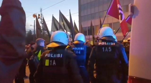 President Tarja Halonen pooldab natsisümboolika keelustamist Soomes