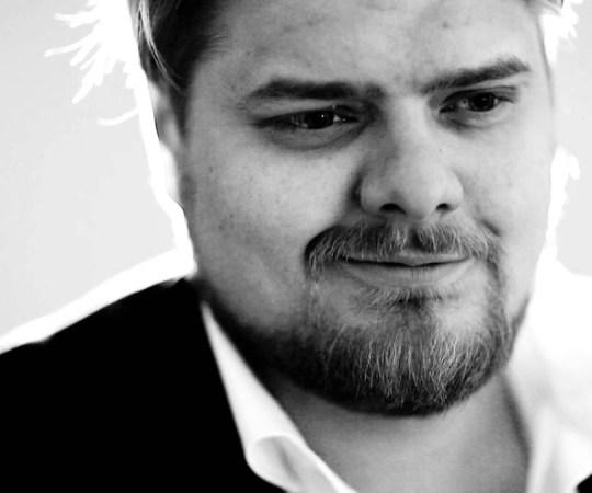 Soome ja Eesti keskerakonna hämaraid rahaasju paljastanud Soome ajakirjanik sai uuriva ajakirjanduse auhinna