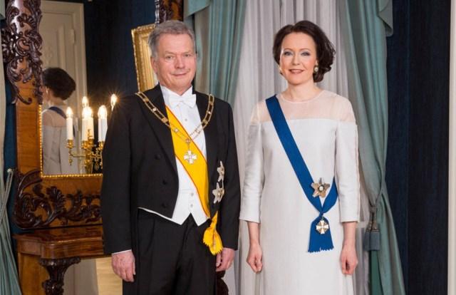 Tipptehnoloogia rõivastuses: Soome presidendiproua tänavune kleit on valmistatud kasepuidust