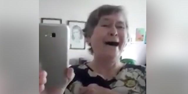 Soomes elav eesti proua lööb oma naeruga laineid sotsiaalmeedias