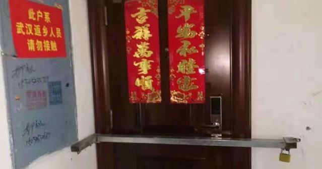 VIDEO: Toitu otsima läinud Hiina naine kukkus kõrgelt alla (NB! Nõrganärvilistele mittesoovitav!)