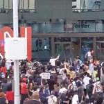 VIDEO: telekanal CNN toetas USA mässajaid, mille peale rüüstasid mässajad CNN-i peamaja Atlantas