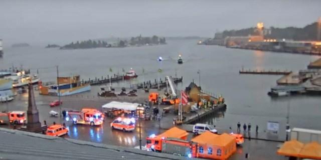 Helsingis kukkus vette kaks inimest, üks päästeti, teist otsitakse