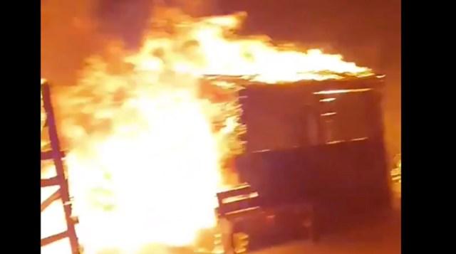Kreekas laagri maha põletanud migrandid nõuavad Euroopasse laskmist
