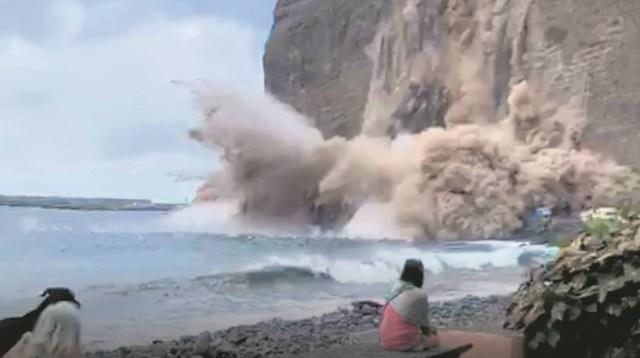 VIDEO: Kanaaridel kukkus tükk mäge otse puhkajate keskele, aga keegi õnneks viga ei saanud