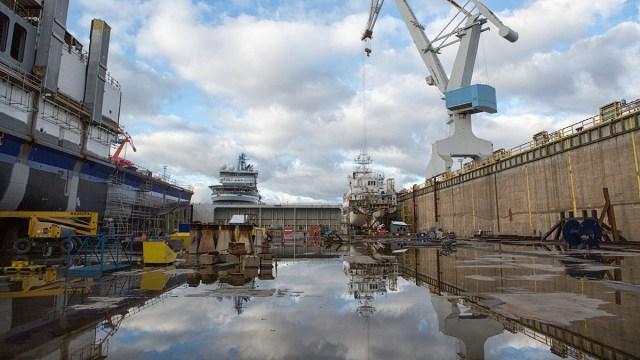 Üllatav areng: Kümned koroonakarantiini määratud Rauma laevatehase töötajad on Soomest lahkunud