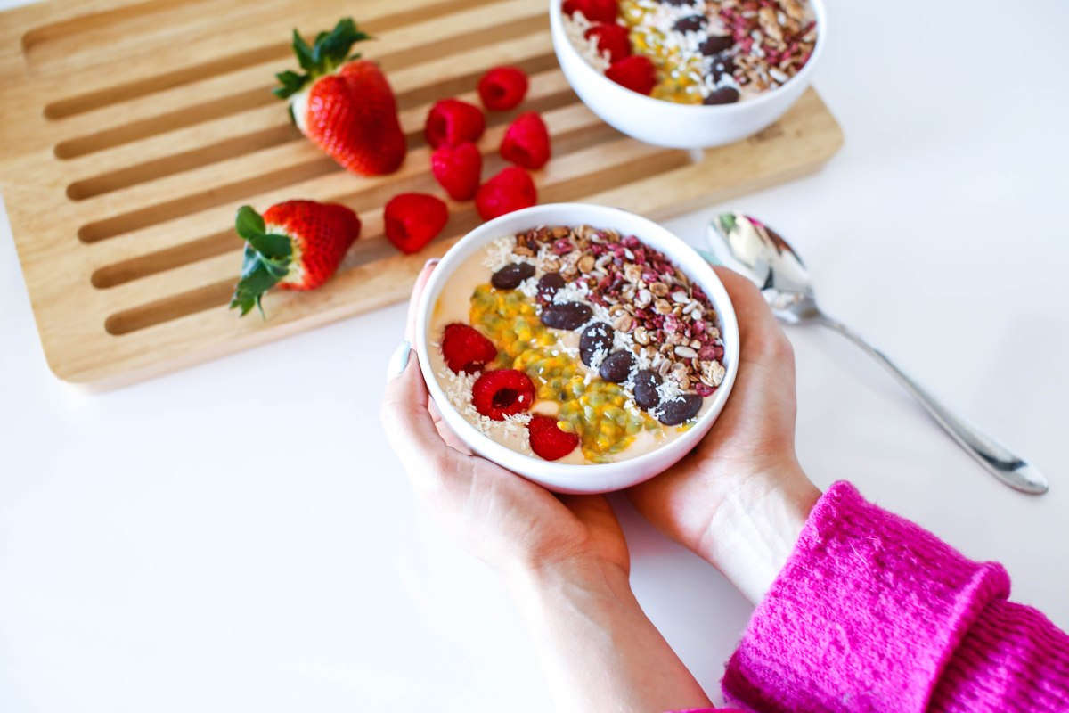Smoothiebowl_eeviteittinen_resepti_terveellinen_aamiainen