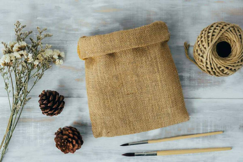 EEWIN-customized-burlap-small-bag
