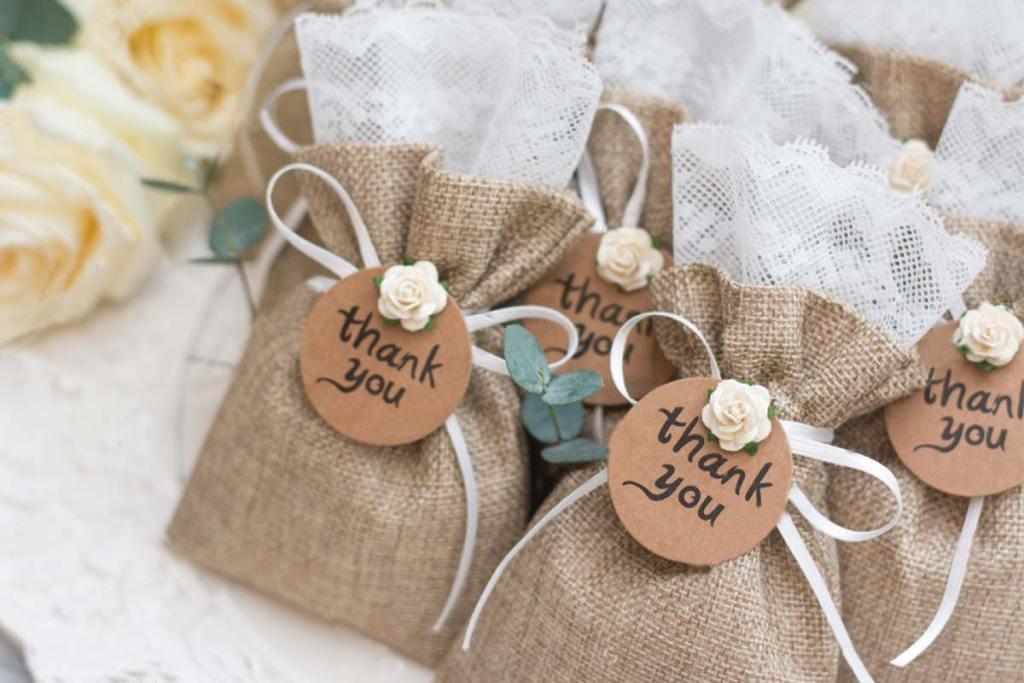 【客製化手提袋】傳達心意與新意,讓你的送禮包裝從一般提袋中脫穎而出,客製化手提袋:新婚帆布袋