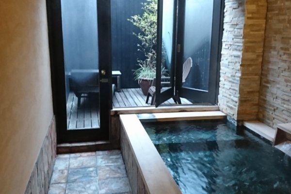 そらともりの部屋にある露天風呂