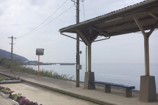 下灘駅の海