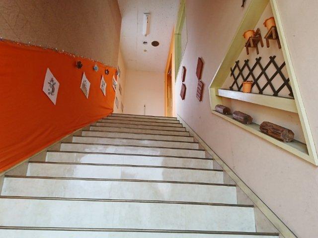 夢猫店内への階段