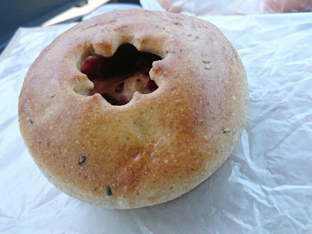 ブルーベリークリームチーズのパン
