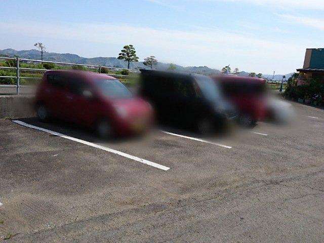 ユーファームの駐車場