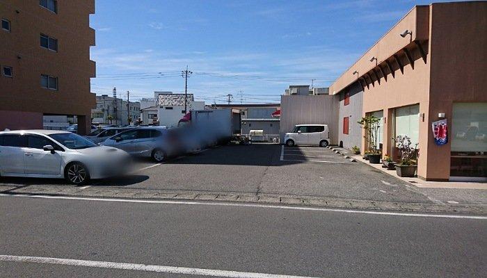 ベイクショップフジムラの駐車場