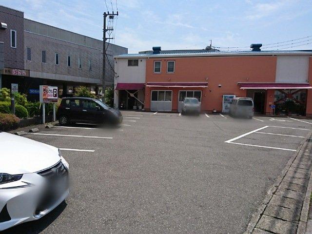 モンブランの駐車場