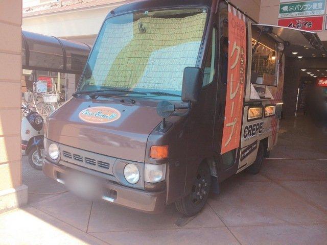 CocoCrepe(ココクレープ)の移動販売車