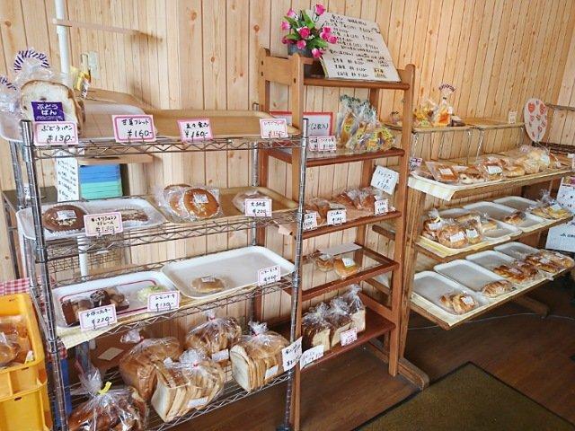 ヤマテパン工場店:パンの種類2