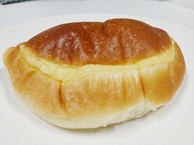 サンモアのクリームパン