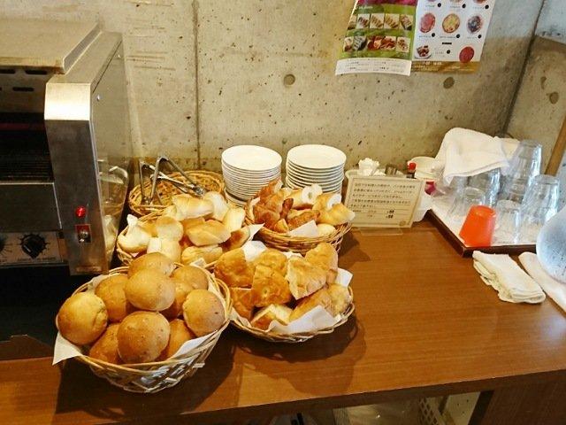 ハーベストはるの本店:パン食べ放題