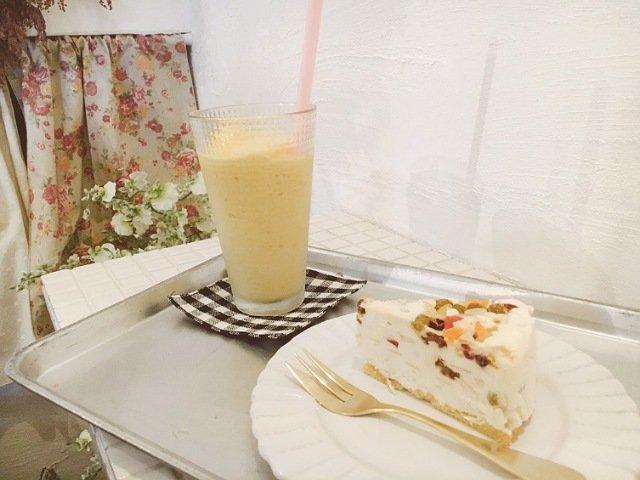 Raiのマンゴースムージ―とカッサータ