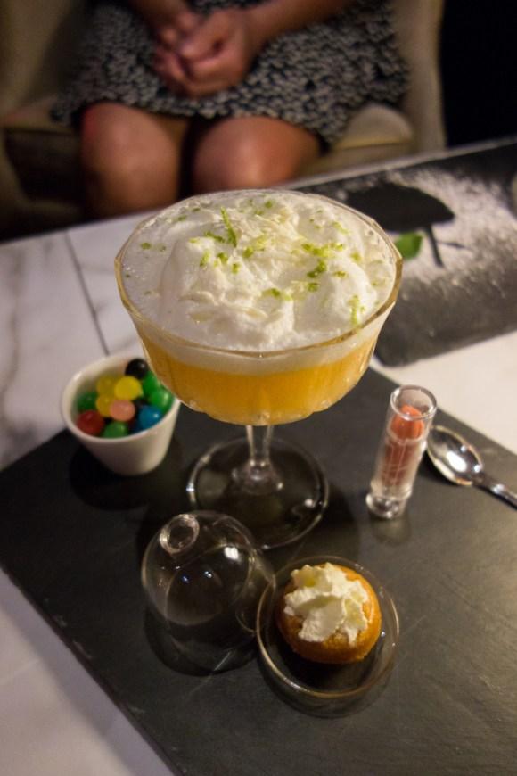 cocktail rhum Appleton Estate, liqueur  gingembre Domaine de Canton, jus de fruits de la passion et sirop de  baba maison