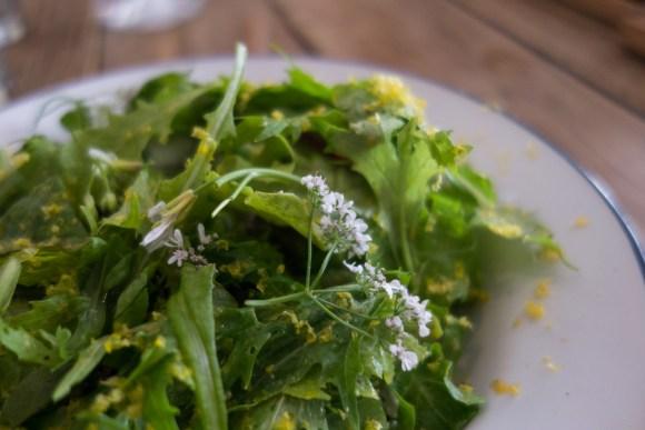 salade au restaurant dersou à paris