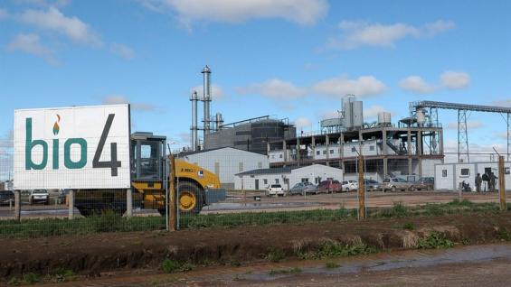 Bioethanol from corn: worse ratios but increasing production