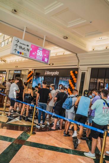 El 'hype' generado hizo que hubiera colas de 30 minutos en la nueva tienda de 'Bengala Spain' en Cataluña.