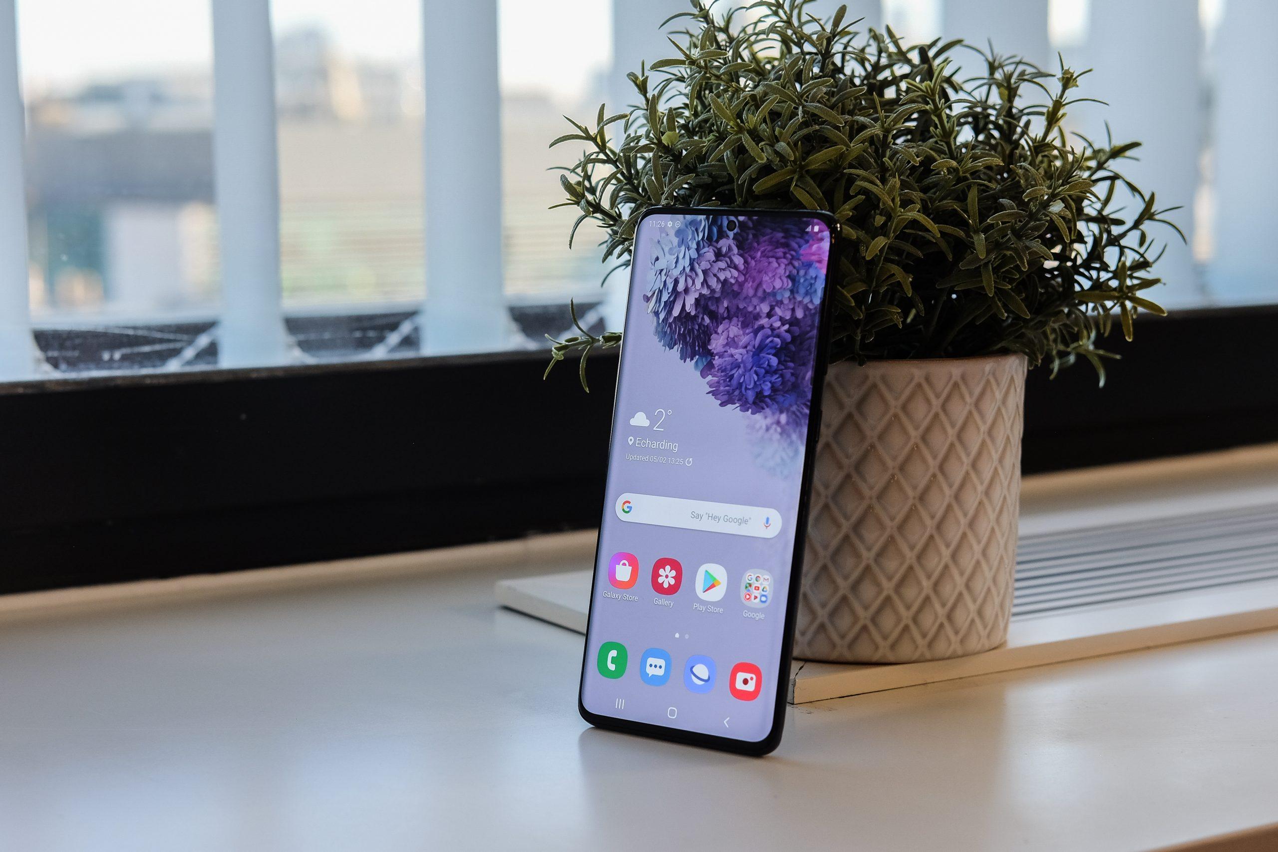 Samsung Galaxy S20+ - Design