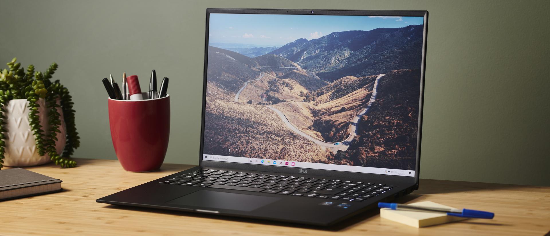 LG Gram 17 (2021): the lightest 17-inch laptop