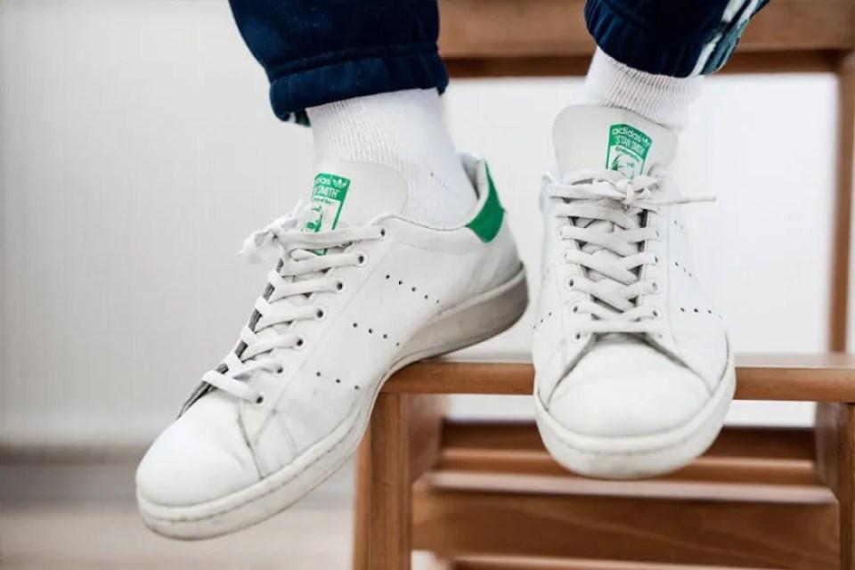 44881ddf84d51c L'Air Force 1 è per Nike quello che Stan Smith è per adidas. Una silhouette  elegante e di classe che si abbina anche a un paio di jeans neri e ad  alcuni ...