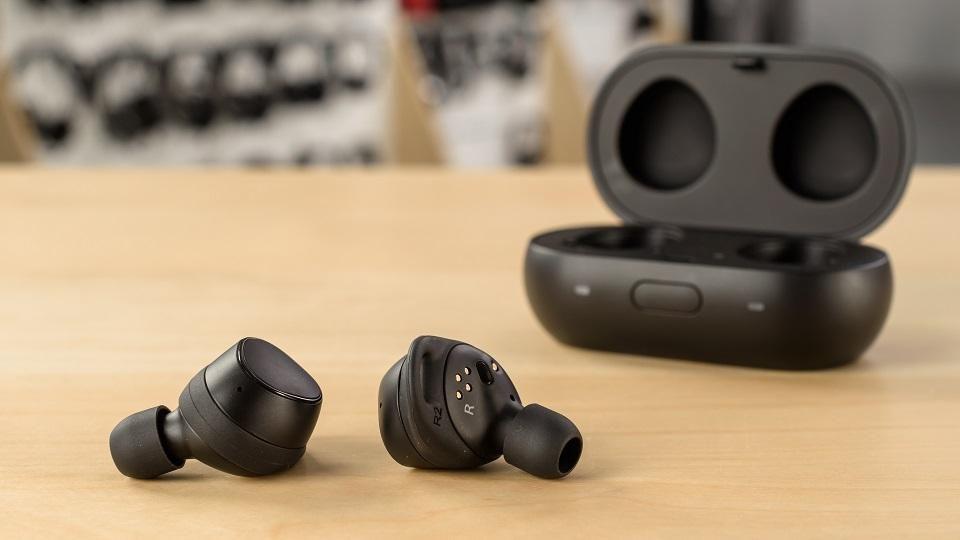 Samsung Gear IconX una soluzione wireless davvero compatta e stabile per lo sport