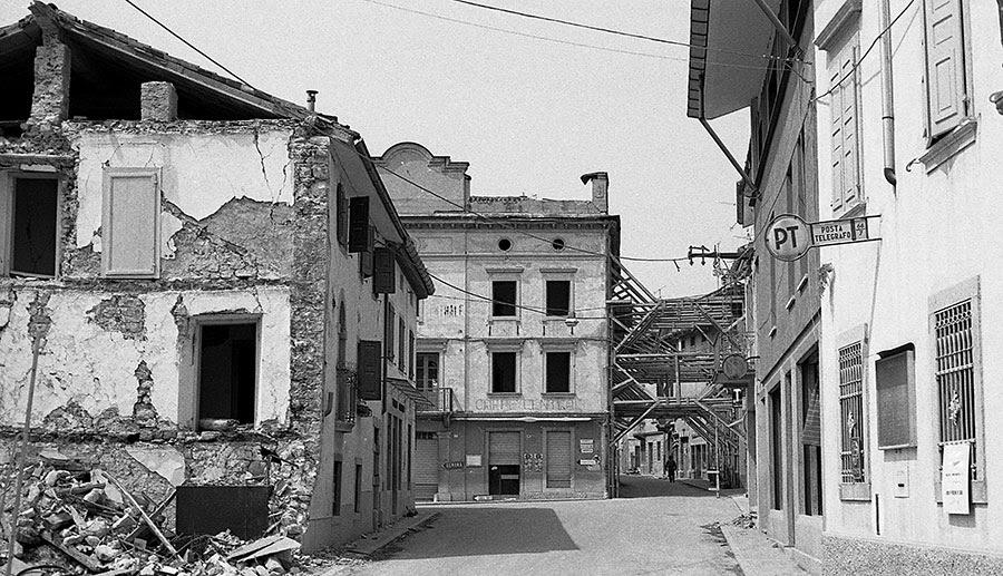 Artegna 1976 (foto di Walter Traunero)