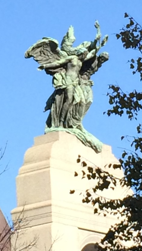 Bronze figures of Peace and Freedom on National War Memorial, Ottawa