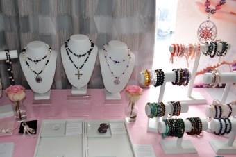 Lisa Young Lee Healing Gemstones