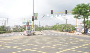 Ever Busy Lagos roads deserted as Nigerians cast Votes (Photos)