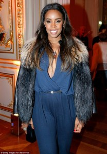 Kelly Rowland Looks Striking at Paris Fashion Week (Photos)