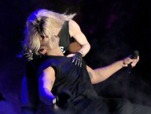 Madonna Kisses Drake Hungrily in Coachella Festival 2015 (Video + Photos)